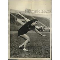 1928 Press Photo Maybelle Reichardt wins discus throw event at Olympic Tryouts