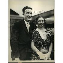 1930 Press Photo Athletics Al Simmons & finacee Dorothy Kuhn  - sbs05238