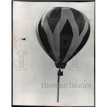 "1974 Press Photo Dr. Robert K. Beger Sails the ""Antiquity"" - mja59922"