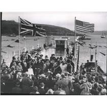 1952 Press Photo Reception Ceremonies for Capt. Henrik Kurt Carlsen - nef65712