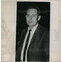 1963 Press Photo Dick McGuire, Coach of the New York Knicks - mja56734