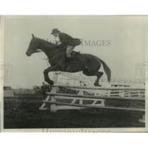 1927 Press Photo Mrs. John McLeod Rides Horse Over Jump - mja57269