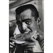 1964 Press Photo Braves Baseball Player, Hank Fischer, Eating a Watermelon