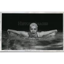 1954 Press Photo Swimmer Florence Chadwick Crossed the English Channel