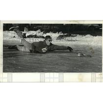 1987 Press Photo Dave Miller saves a broomball shot in Tenney Park, Madison