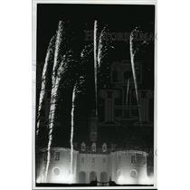 1994 Press Photo The Grand Illumination at Colonial Williamsburg in Virginia