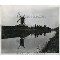 1944 Press Photo Windmills Along the Zeebrigge Canal near Briges - mja57373