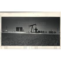 1984 Press Photo Oil Fields Shimmering in the Texas Heat - mja57374