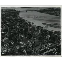 1982 Press Photo View Overlooking Memphis, Tennessee and the Mississippi River