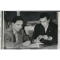 1961 Press Photo Carvalho de Arriga intervie with Paese Sera. a Rome
