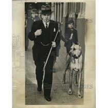 1926 Press Photo Chille's President Don Arturo Alessandri takes a walk