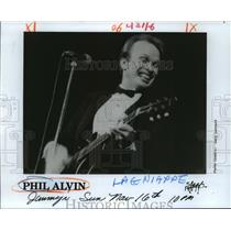 1986 Press Photo Phil Alvin playing guitar - noa14594