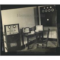 Press Photo Radio station equipment