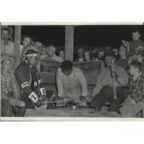 1950 Press Photo Native Americans performing a ritual with drums & snake rattle