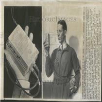 1950 Press Photo Miniature Radio Transmitter Receiver