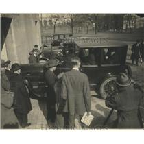 1924 Press Photo Men Gather Around and Admire Automobile - nef67301