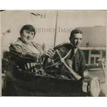 1923 Press Photo Mr. & Mrs. Geo Stoval & K.C. Pedo  - neo16334