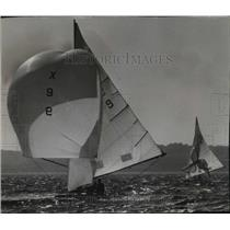 1962 Press Photo Gusty Winds Knocked Masts Off Three Boats and Capsized Others