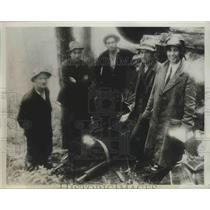 1934 Press Photo Members of Rescue Party Surrounding Stretcher with Ben Redfield