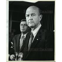 1981 Press Photo J. Lynn Helms, FAA, and Drew Lewis, Transportation Secretary