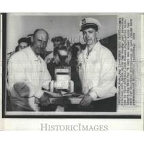 1959 Press Photo Chuck Hickling Holds Apple Cup Trophy for Boat Racing