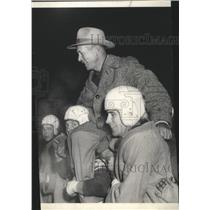 1952 Press Photo Gonzaga Prep football coach, Bill Frazier, carried by players