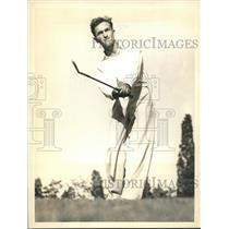 1936 Press Photo Mike Balega chipping to the pin at National Public Links tourn.