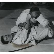 1961 Press Photo Marquette University's Judo match between Bielski & Kowaczek