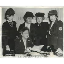 1941 Press Photo Military Officials Wives appeal for Red Cross Workers