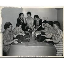 1941 Press Photo American Red Cross Service Center Volunteers, Detroit