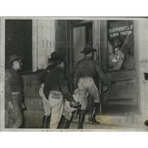 1934 Press Photo National Guardsmen at New Orleans voting registration area