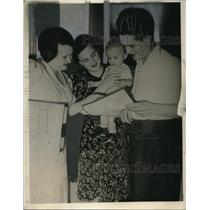 1939 Press Photo German women get ration cards from the Nazis - neo17084
