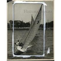 1928 Press Photo of Two Young Men Yachting in Long Beach, California - neo19145