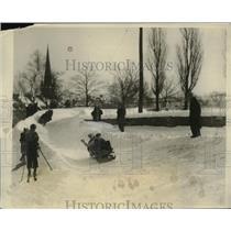 1927 Press Photo of Racers on Toboggan Slide Near Parliament Bldg in Quebec