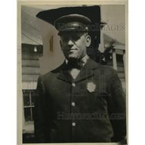 1922 Press Photo Fireman Carl Kruger of at Charity Hospital Cleveland