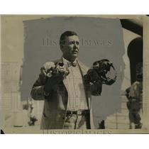 1928 Press Photo Animal Killer Howard Reed Returns With Man-Eating Tiger Record
