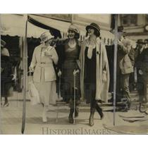 1921 Press Photo Fashion models at the Boardwalk in Atlantic City - neo22405
