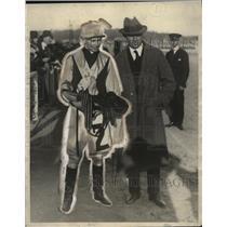 1925 Press Photo Earle Sands Jockey and Trainer Max Hirsch of Sarazen