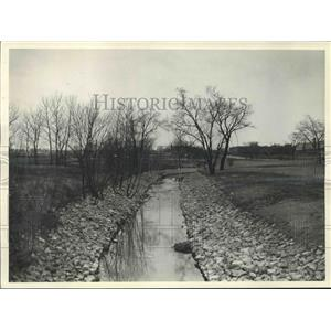 1932 Press Photo Kinnickinnic creek parkway in Milwaukee, Wisconsin. - mjx40484