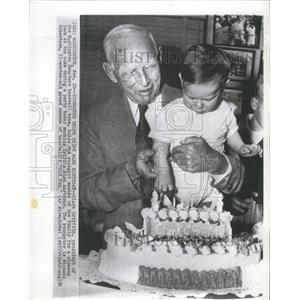 1952 Press Photo Birthday Clark Griffith Holding Child - RRQ00035