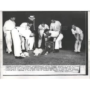 Press Photo Baseball Indians Yankees Rabbits - RRQ01625