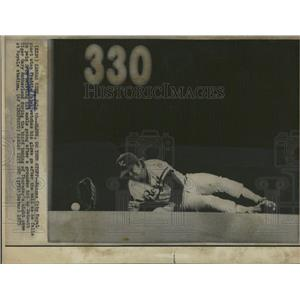 1975 Press Photo Freddie Patek Royals Injured Ankle - RRQ01635