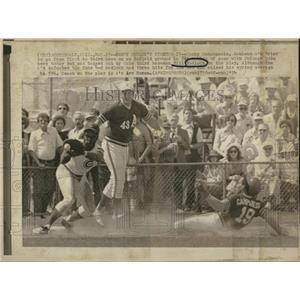 1974 Press Photo Oakland A's Tagged Bill Madlock Cubs - RRQ01691