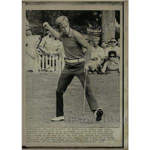 1970 Press Photo Jerry McGee Golfer Byron Nelson Lake - RRQ03183