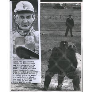 1958 Press Photo Denver University Athletics - RRQ04525