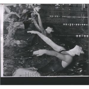 1963 Press Photo Donna de Varona swimme Mexican - RRQ06009