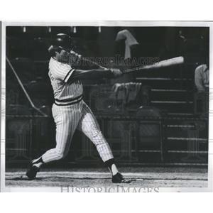 1972 Press Photo Jeff Burroughs Home Run Hit Baseball - RRQ06103