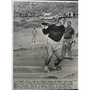 1965 Press Photo Harold Connolly Gold Medal Hammer - RRQ07663