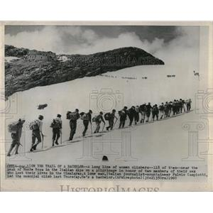 1960 Press Photo women mountain climbers - RRQ08811