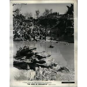 1994 Press Photo Song of Bernadette Drama Film Lourdes - RRX37813